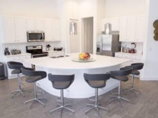 Casa em Kissimmee - Condomínio Sequoia Cozinhas modernas por Laura Picoli Moderno