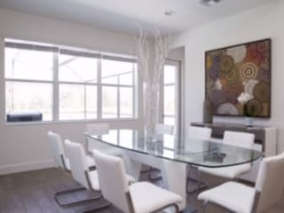 Casa em Kissimmee - Condomínio Sequoia Salas de jantar modernas por Laura Picoli Moderno