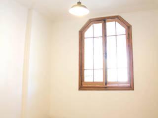 Proyecto Casa Jauja Puertas y ventanas modernas de Arquitectura + Diseño OK ADOK Moderno