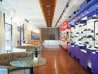 Showroom Calzados Azaleia Peru de Oneto/Sousa Arquitectura Interior Moderno
