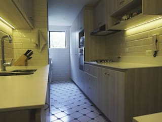 Cocina romantica: Cocinas de estilo  por KRAUSE CHAVARRI, Moderno