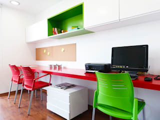 Study/office by Oneto/Sousa Arquitectura Interior, Modern