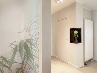 Raumteiler für Treppenbereich:  Flur & Diele von Innenarchitektin Katrin Reinhold