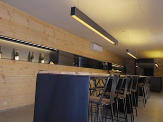 インダストリアルなレストラン の Gramona Interiors インダストリアル