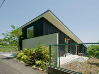 外観2: LIC・山本建築設計事務所が手掛けた家です。