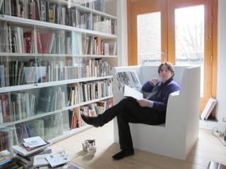 ReadingChair: modern  door bv Mathieu Bruls architect, Modern