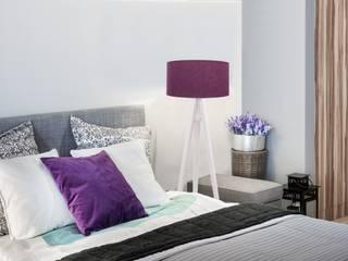 Lampa podłogowa Trójnóg Sosnowo Fioletowy: styl , w kategorii Sypialnia zaprojektowany przez imoLight