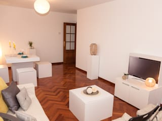 HOME STAGING VIVIENDA EN PASTORIZA. ARTEIXO:  de estilo  de Ya Home Staging