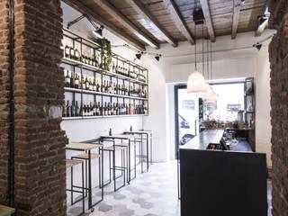 Muddica Gastronomia in stile industrial di Studio DiDeA architetti associati Industrial