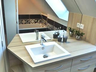 rénovation d'une salle de bains Salle de bain moderne par Lydie Gatignol Moderne