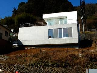 仲摩邦彦建築設計事務所 / Nakama Kunihiko Architects Modern houses Concrete White