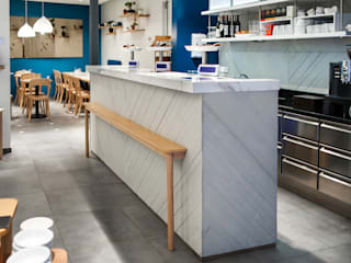Simone Lemon Modern kitchen by Concrete LCDA Modern