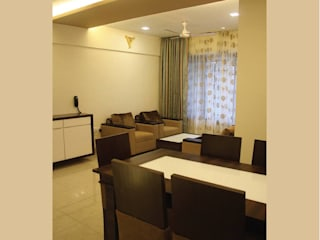 A Quick Make Over....!!!!:  Dining room by Neha Changwani,Classic