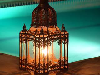 Farol para jardín:  de estilo  de Decoración Andalusí Iluminación