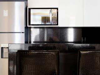 APARTAMENTO LD Cozinhas modernas por ARQUITETURA MB Moderno