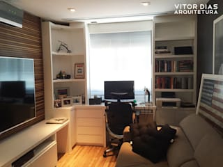 Home Theater integrado com Home Office Salas de estar modernas por Vitor Dias Arquitetura Moderno