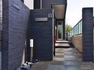 黒基調のモダンエクステリア : 株式会社グリーンテリアが手掛けた家です。,