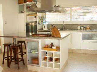 Proyecto Cocinas modernas: Ideas, imágenes y decoración de renziravelo Moderno