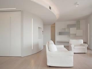 Minimalist Oturma Odası RWA_Architetti Minimalist