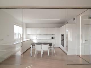 Attico Villa Lieta Cucina minimalista di RWA_Architetti Minimalista
