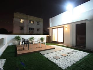 Landscaped terrace Ansari Architects Modern Terrace