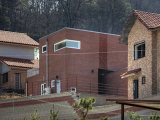 Houses by CHORA,