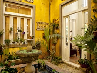 Giardino d'inverno in stile coloniale di Marcelo Bicudo Arquitetura Coloniale