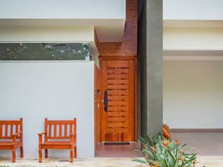 Pintu & Jendela Modern Oleh ADRIANA MELLO ARQUITETURA Modern
