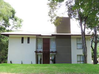 Casa Avenida do Lago Casas campestres por Alexandre Senra Arquitetos Associados Campestre