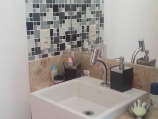 Apartamento M + R Banheiros modernos por Vivi Maia Arquitetura Interiores Moderno