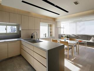人形町の家: 藤村デザインスタジオ / FUJIMURA DESIGIN STUDIOが手掛けたキッチンです。