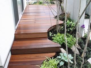 松本Km邸 Modern garden by 庭のクニフジ Modern