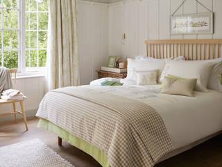 Dormitorio natural: Dormitorios de estilo  de Laura Ashley Decoración