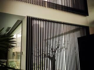 Das Wasserhaus Puertas y ventanas modernas de Das Wasserhaus Moderno