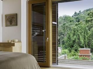 Puertas y ventanas modernas de NOEM Moderno