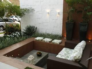 Terrazas de estilo  por Arquitetura Ao Cubo LTDA,