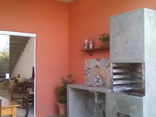 Casas de estilo  por Margareth Salles