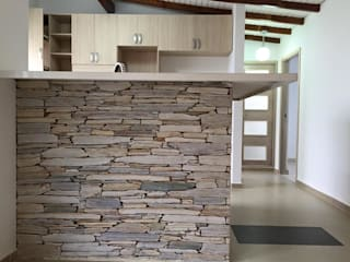 Pared en laja San Andrés puesta de canto: Cocinas de estilo  por ALSE Taller de Arquitectura y Diseño