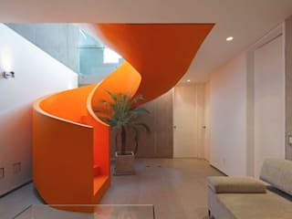Casa Blanca Pasillos, vestíbulos y escaleras modernos de Martin Dulanto Moderno