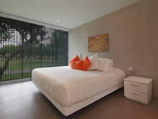 Casa Blanca Dormitorios de estilo moderno de Martin Dulanto Moderno