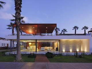 Casa P12 Casas modernas: Ideas, diseños y decoración de Martin Dulanto Moderno