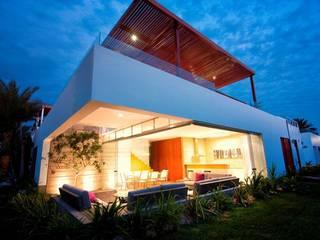 Casa Seta Casas modernas de Martin Dulanto Moderno