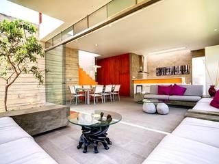 Casa Seta Salas de estar modernas por Martin Dulanto Moderno