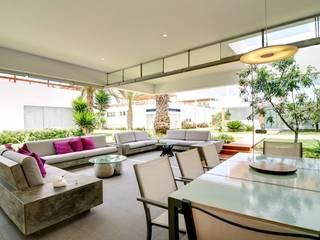 Casa Seta Comedores de estilo moderno de Martin Dulanto Moderno