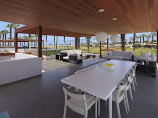 Casa P12 Comedores de estilo moderno de Martin Dulanto Moderno