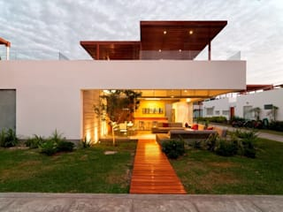 Casa Seta Casas modernas: Ideas, imágenes y decoración de Martin Dulanto Moderno