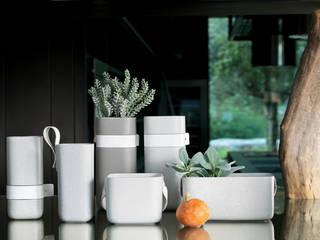 Square Hoop Vases:   por Jomaze, lda