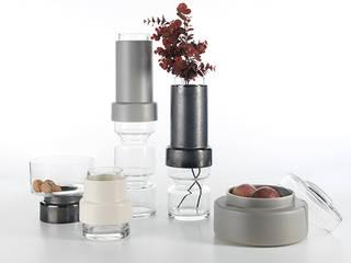 Tower Ceramic/Glass Vases:   por Jomaze, lda