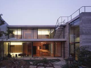 Casas modernas de SHSTT Moderno