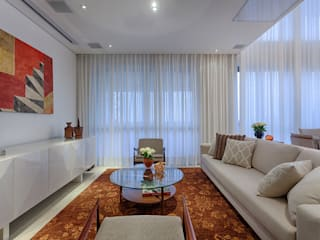 Salas / recibidores de estilo  por Emmanuelle Eduardo Arquitetura e Interiores, Clásico